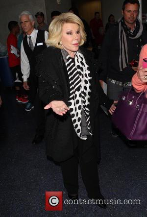 """Joan Rivers Says Lena Dunham Promotes Obesity, Urges 'Girls' Star To """"Look Better"""""""