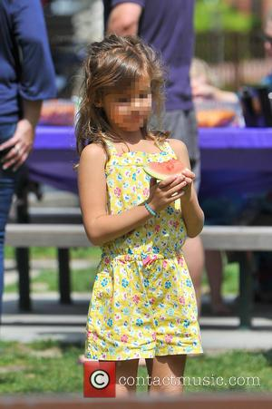 Honor Warren - Jessica Alba heads to the park with her family and runs into Jaime king and her son...