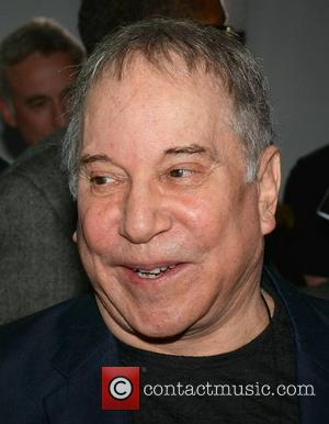 Paul Simon - Paul Simon Commemorates Seamus Heaney