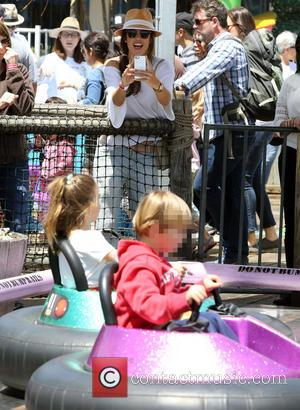 Alessandra Ambrosio - Alessandra Ambrosio and family spend the day on the rides at oceanfront amusement park, Pacific Park on...
