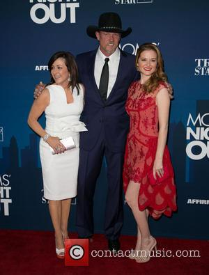 Patricia Heaton, Trace Adkins and Sarah Drew - Moms Night Out Premiere at TCL Chinese Theater - Red Carpet -...