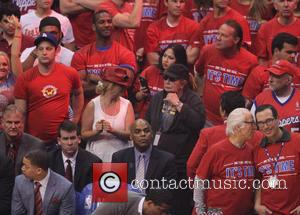 Penny Marshall - Celebrities watch the Clippers playoff game