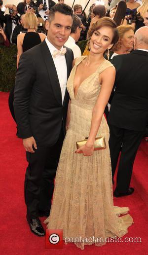 Cash Warren and Jessica Alba - 'Charles James: Beyond Fashion' Costume Institute Gala at the Metropolitan Museum of Art -...