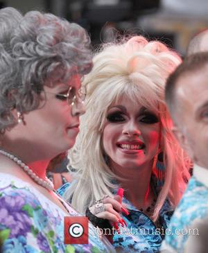 Dolly Parton Clears Up Tattoo Rumours
