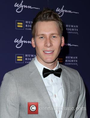 Dustin Lance Black Gives Up Booze To Support Fiance
