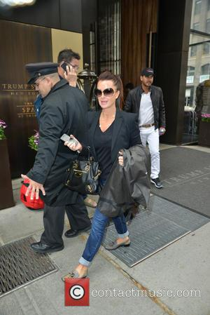 Kyle Richards - New York city candids - Manhattan, New York, United States - Saturday 17th May 2014