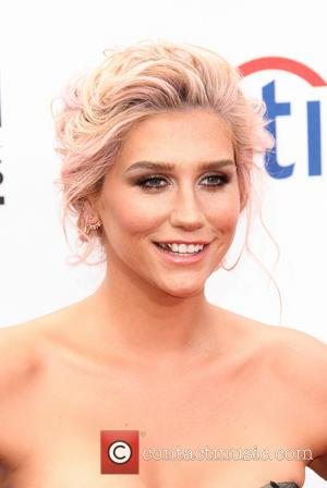 """Kesha Talks Being A Victim Of An Eating Disorder And Why She's Not """"A Train Wreck"""""""