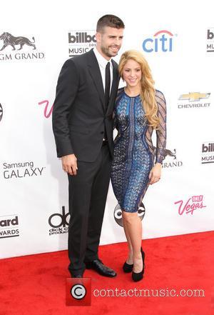 Gerard Pique and Shakira - 2014 Billboard Awards Red Carpet at the MGM Grand Resort Hotel and Casino - Las...