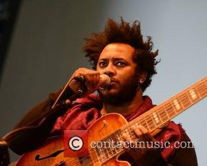 Thundercat Joined On Stage By Kenny Loggins And Steely Dan's Michael McDonald
