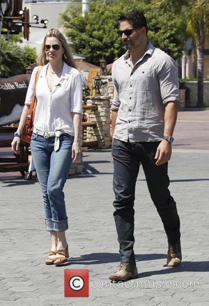 Joe Manganiello and Kristin Bauer van Straten - Celebrities on entertainment show 'Extra' at Universal Citywalk - Universal City, California,...