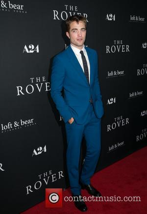 Robert Pattinson Flirts With Katy Perry Whilst Living With Kristen Stewart?