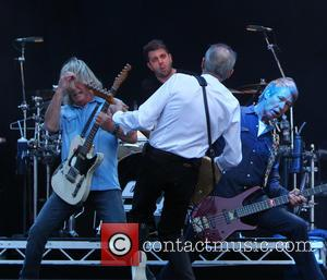 Status Quo - Status Quo headline The Zippo Encore stage...