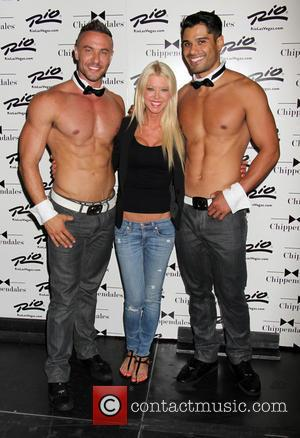 Tara Reid and Chippenales - Tara Reid stops by to see 'Sharknado' co-star Ian Ziering as celebrity guest host of...
