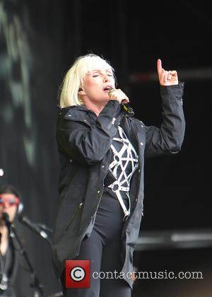 Blondie Stars Pay Tribute To Tommy Ramone