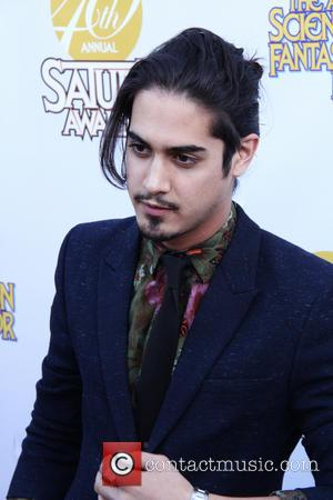 Victorious Star Avan Jogia Cast As King Tut In Tv Miniseries