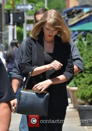 Three Plead Not Guilty To Hurling Beer Bottles At Taylor Swift's Home