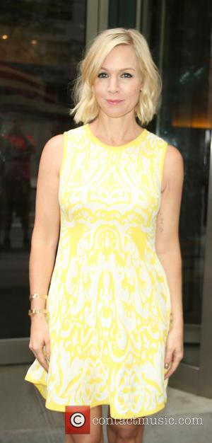 "Jennie Garth Marries David Abrams In California, Describes Wedding As ""Perfect"""