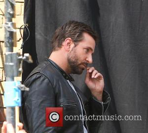 Bradley Cooper - Bradley Cooper and Uma Thurman film a scene for their next movie in Notting Hill, London -...