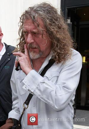 Robert Plant Urges Page To Give Up Led Zep Dream And Make New Music
