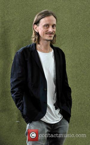 Mackenzie Crook - Actor and comedian Mackenzie Crook attends the Edinburgh International Book Festival - Edinburgh, United Kingdom - Saturday...