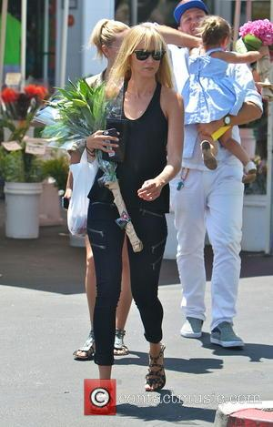 Kimberly Stewart - Kimberly Stewart takes daughter Delilah to a Beverly Hills Farmer's Market to buy some flowers - Los...