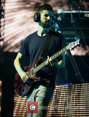 Brad Delson - Linkin Park perform live at the Cruzan Amphitheatre as part of their Carnivores Tour - Florida, United...