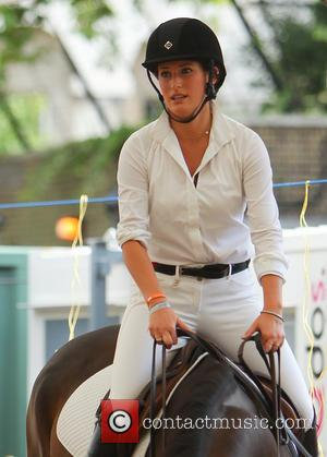Jessica Springsteen - Jessica Springsteen warms up before competing in the Longines Global Champions Tour event in London - London,...