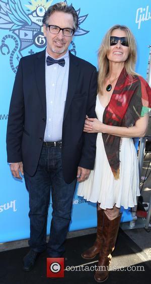 Actor Robert Carradine Files For Divorce