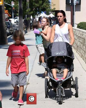 Melissa Joan Hart - Melissa Joan Hart out and about with her three sons on Ventura Boulevard - Los Angeles,...