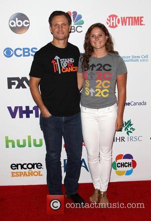 Tony Goldwyn and Tess Frances Goldwyn - Hollywood Unites For The 4th Biennial Stand Up To Cancer - Hollywood, California,...