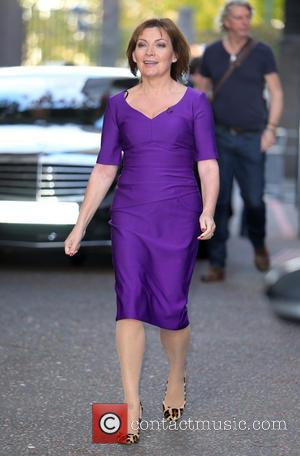 Lorraine Kelly cuts her live show and leaves the ITV studios due to a fire alarm going off