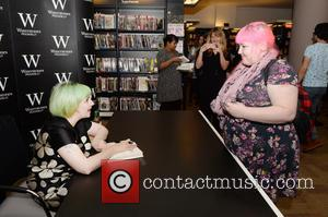 Lena Dunham - Lena Dunham signs copies of her book 'Not That Kind of Girl' at Waterstones Piccadilly. A fan...