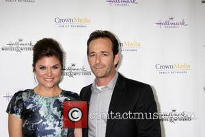 Tiffani Thiessen and Luke Perry
