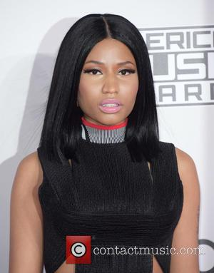 Nicki Minaj Performs Out Of Her Dress After Late Arrival At Wireless