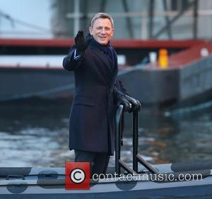 Daniel Craig - Daniel Craig and Rory Kinnear film a scene for the new Bond movie Spectre in London -...