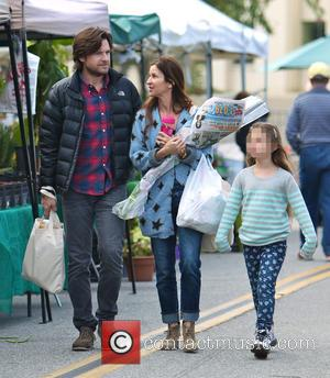 Jason Bateman, Amanda Anka and Francesca Bateman - Photo's of American actor Jason Bateman as he and his family went...