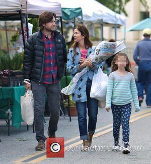 Jason Bateman, Amanda Anka and Francesca Bateman - Photo's of American actor Jason Bateman as he and his family went...