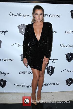 "Khloe Kardashian Is Writing An Advice Book On ""The Power Of Strength"""