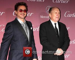 'The Big Bang Theory' And Robert Downey Jr. Sweep Up At People's Choice Awards [Photos]