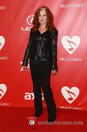 Bonnie Raitt, Los Angeles Convention Center
