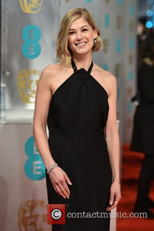 Rosamund Pike - EE British Academy Film Awards held at the Royal Opera House - Arrivals at British Academy Film...