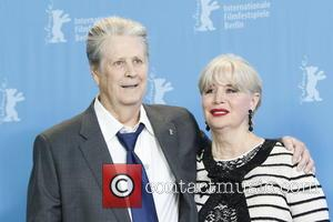 Brian Wilson Performs Beach Boys Classic With Actor Who Portrayed Him On Film