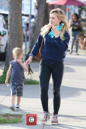 Hilary Duff and Luca Comrie - Hilary Duff having a bad hair day as she leaves  Playdate in Sherman...