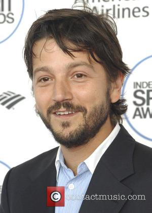 Diego Luna And Leslie Grace To Appear On New Spanish-language Sesame Street