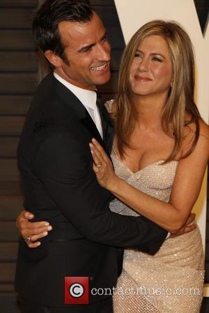 """Justin Theroux Explains Marriage To Jennifer Aniston Feels """"Different"""""""