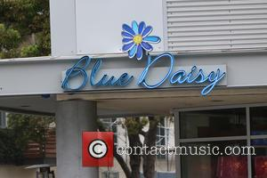 Emily Blunt in sportswear, goes for lunch at Blue Daisy cafe in Santa Monica - Los Angeles, California, United States...