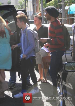 Daniel Seavey - American Idol contestants leave a medical building in Beverly Hills wearing surgical masks - Los Angeles, California,...