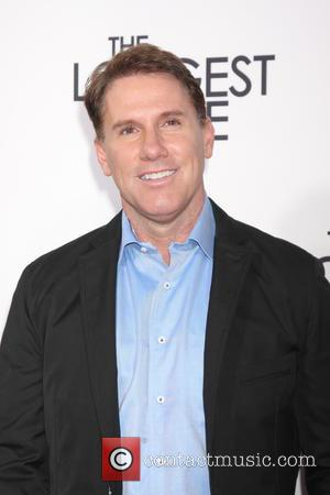 Nicholas Sparks Producing Semi-autobiographical Tv Series On Divorce