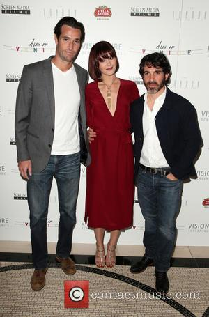 Matthew Del Negro, Mary Elizabeth Winstead and Chris Messina