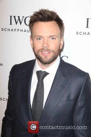 Joel McHale Joins Cast Of 'The X-Files' Revival Series